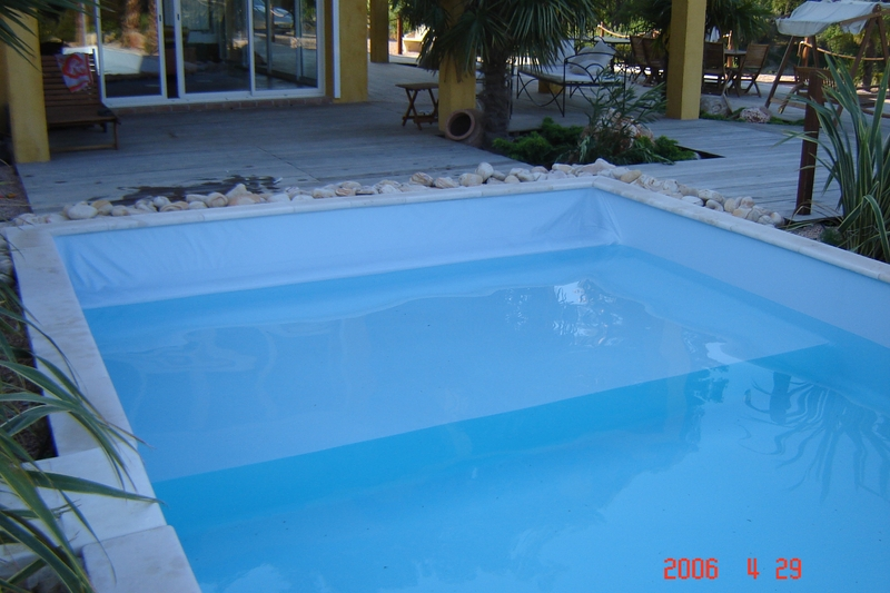 Realisation d 39 une piscine gemenos 12 x 5m construction for Piscine gemenos