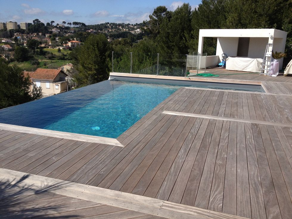 construction de piscine traditionnelle a aix en provence. Black Bedroom Furniture Sets. Home Design Ideas